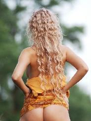 Felia-blond 19 Jahre, aus Wesseling