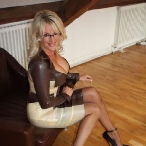elegante_Rebecca 32 Jahre, aus Kassel